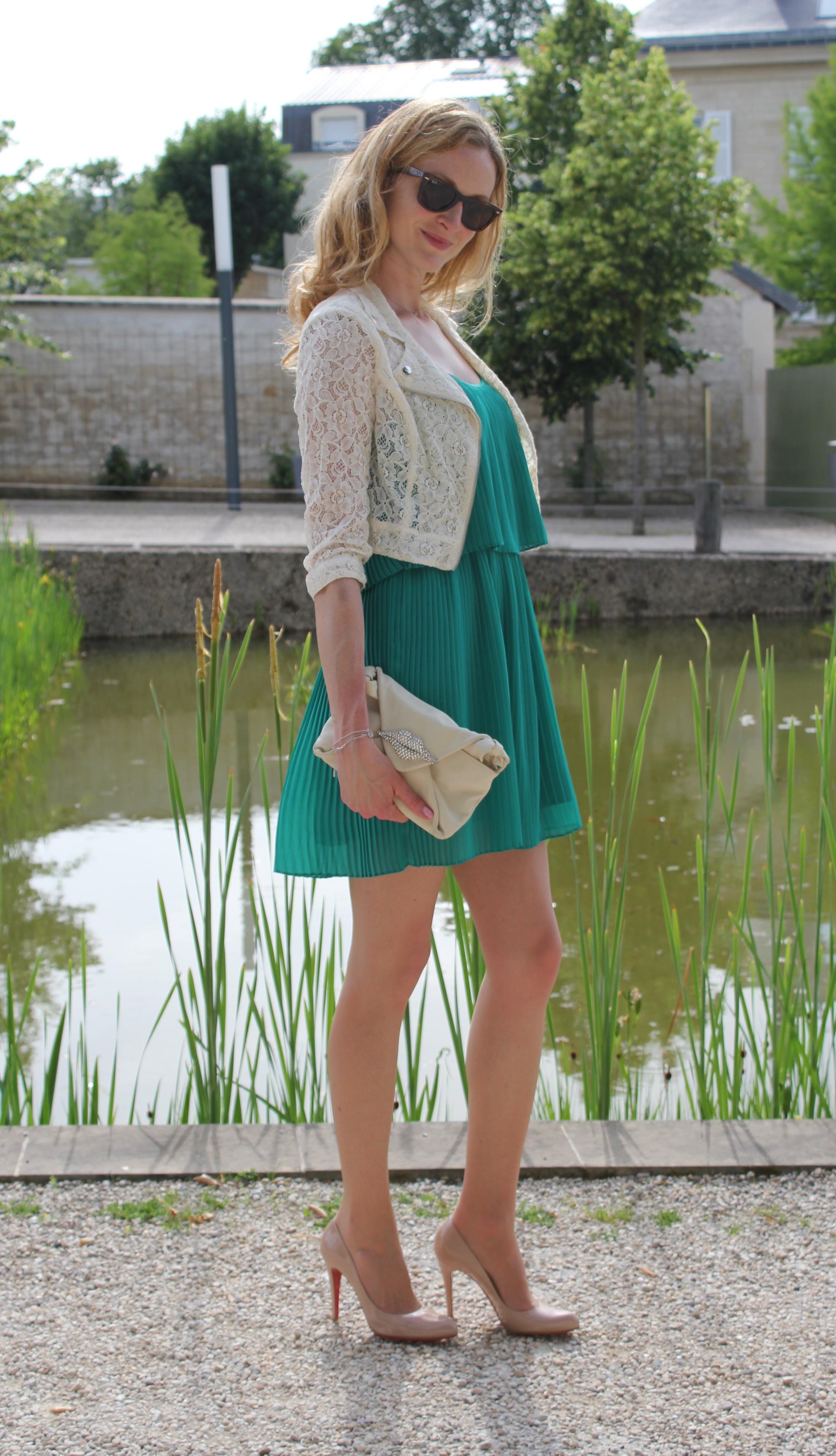Une robe vert meraude forum mode for Quelle couleur avec du bleu turquoise